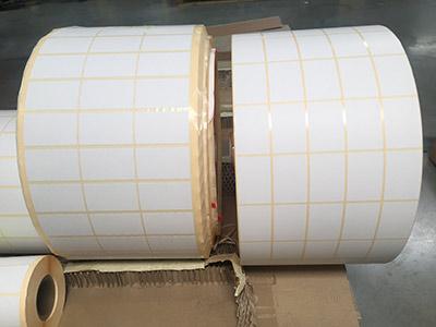 rouleaux d'étiquettes avec liner glassine