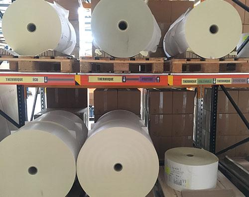 stockage de rouleaux d'étiquettes