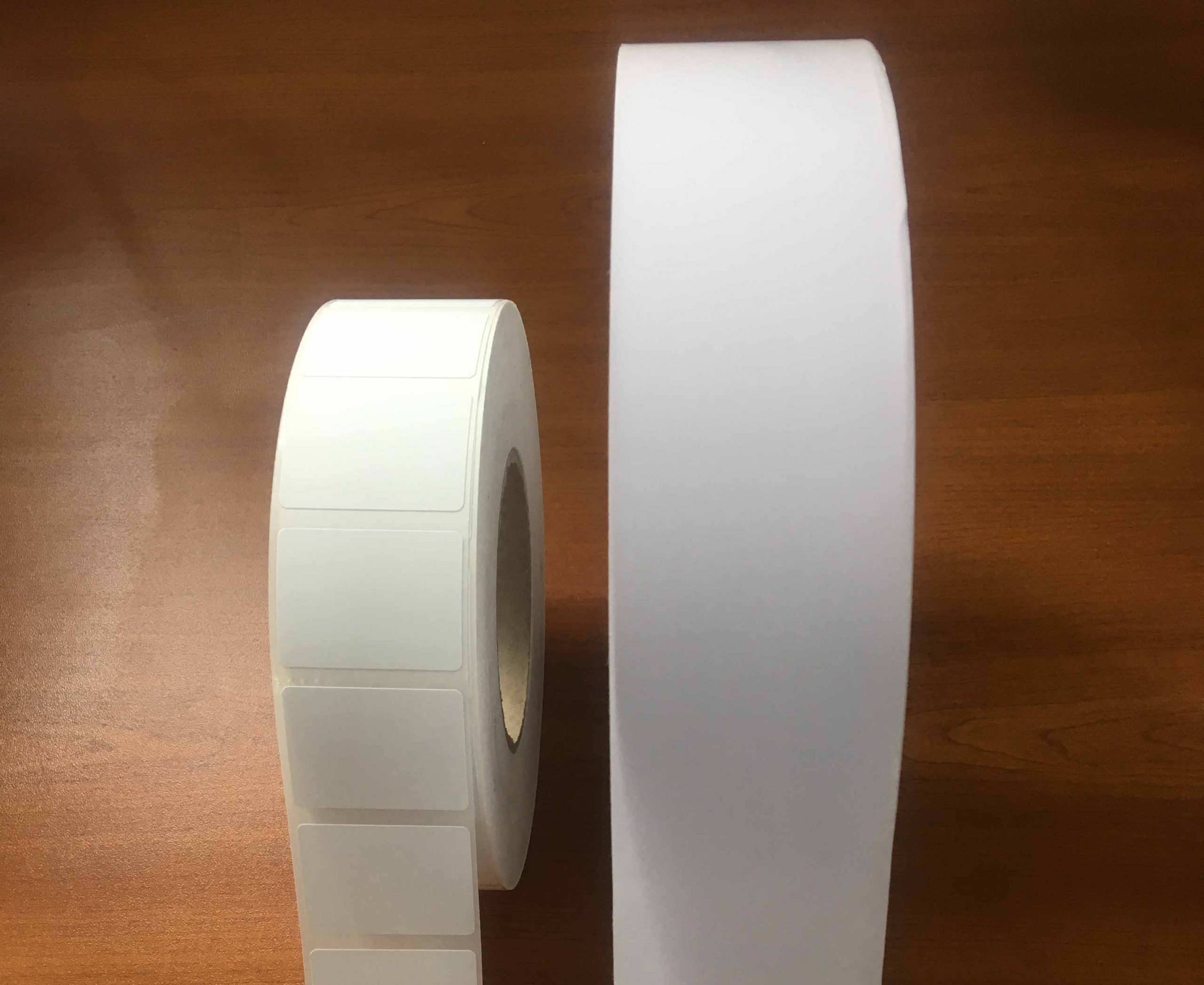 rouleaux étiquette avec liner et linerless