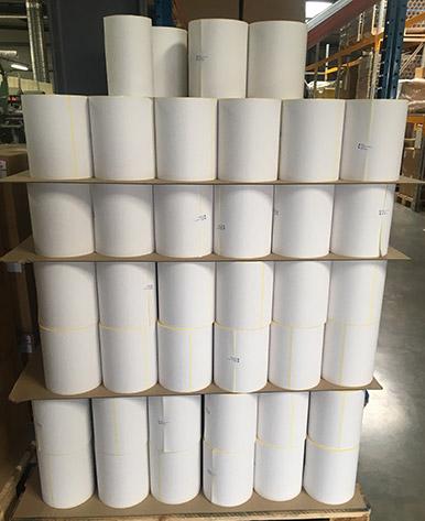 palette de rouleaux d'étiquettes linerless